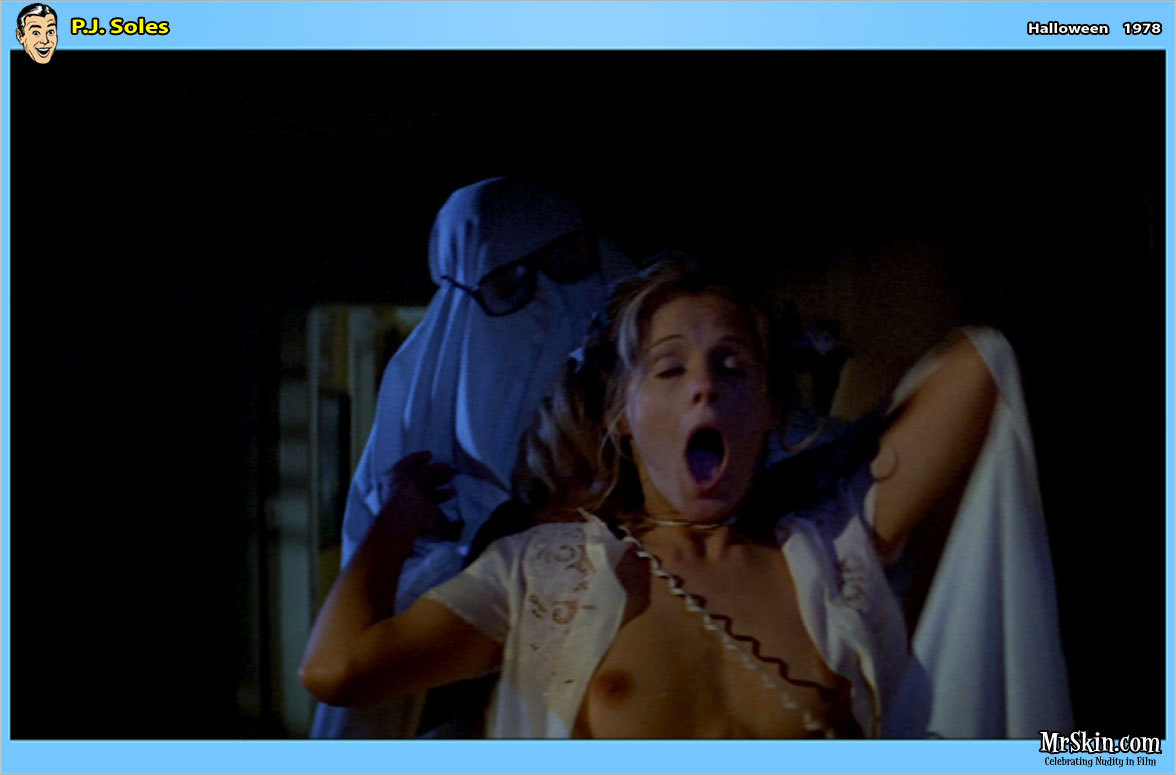 naked women in horror films