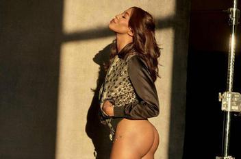 Naomi campbell topless 2 e5819006 thumbnail