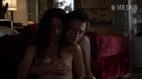 Weeds s05e11 morissette hd 01 large 3