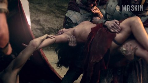 Spartacusbloodandsand 01x01 erincummings hd 04 large 4