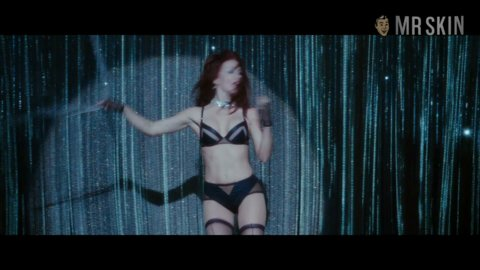 Burlesque hough 1 hd large 3
