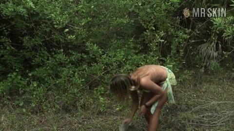 Bikiniswampgirlmassacre scordamaglia hd 01 large 3
