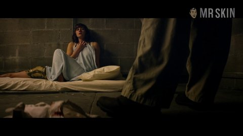 10cloverfieldlane winstead hd 01 large 4