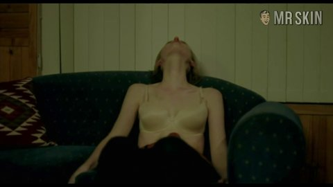 Ketteringincidentthe 01x03 debicki hd 01 large 3