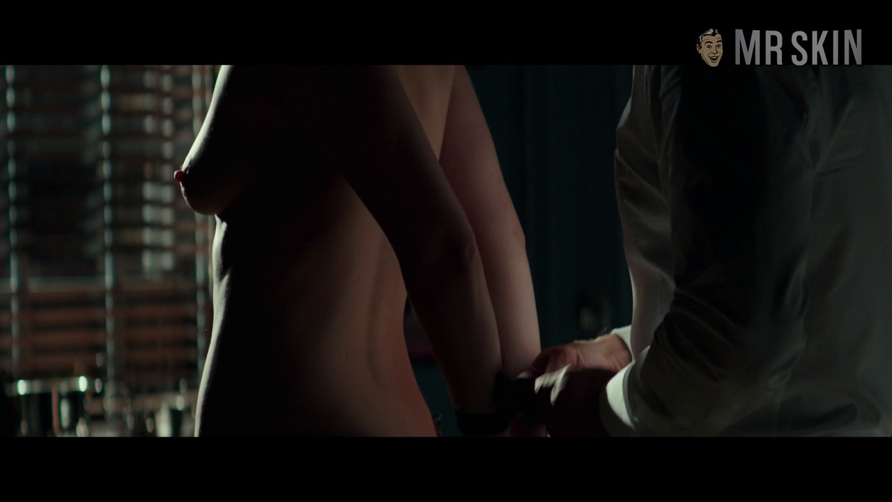 Fiftyshadesdarker br johnson hd 04 large 3