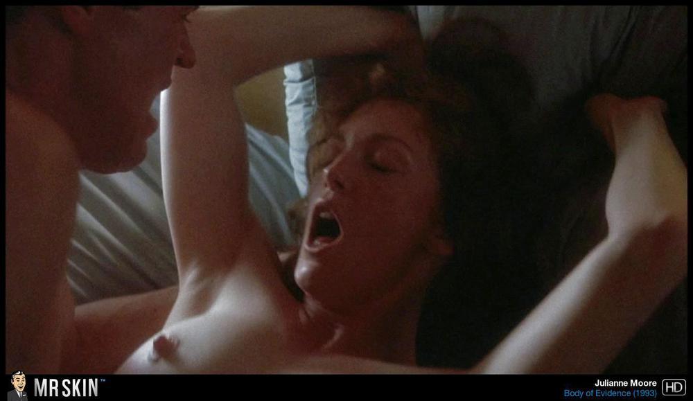 julianne movie nude moore Clip