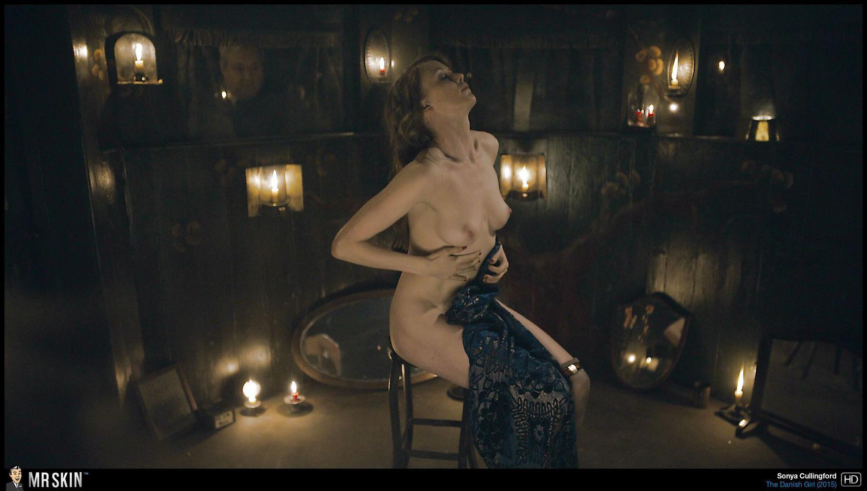 Estuvo Clip movie naked woman girls