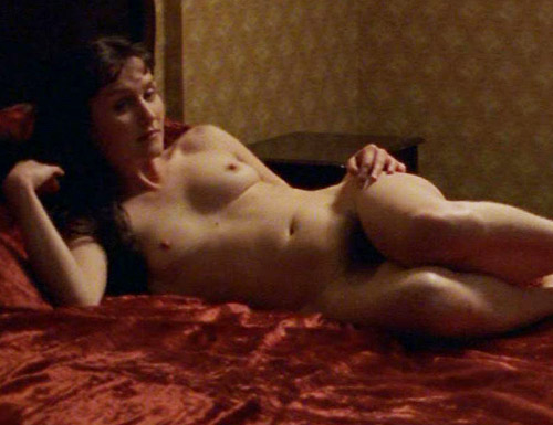 Anna friel desnuda a la tribu